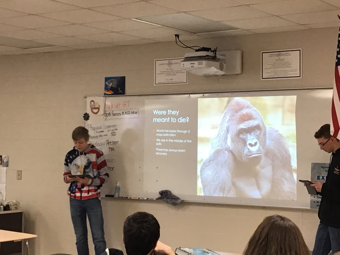 Sophomores during endangered species presenations